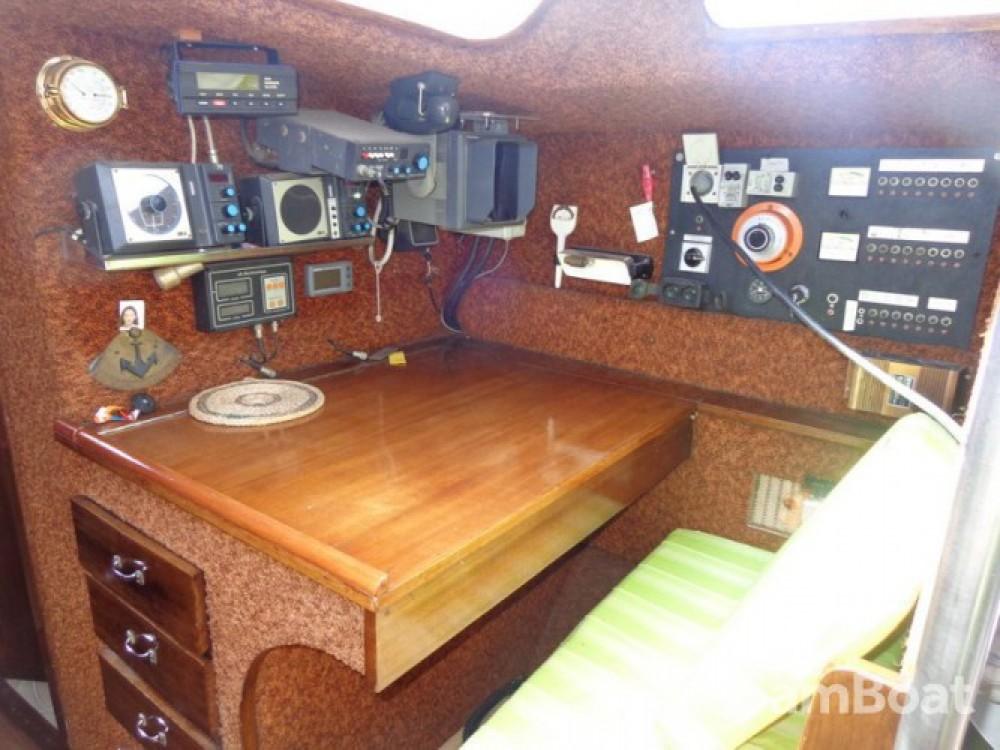 Rental Sailboat Destrier with a permit