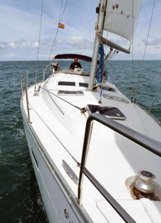 Sailboat for rent Fontarrabie at the best price