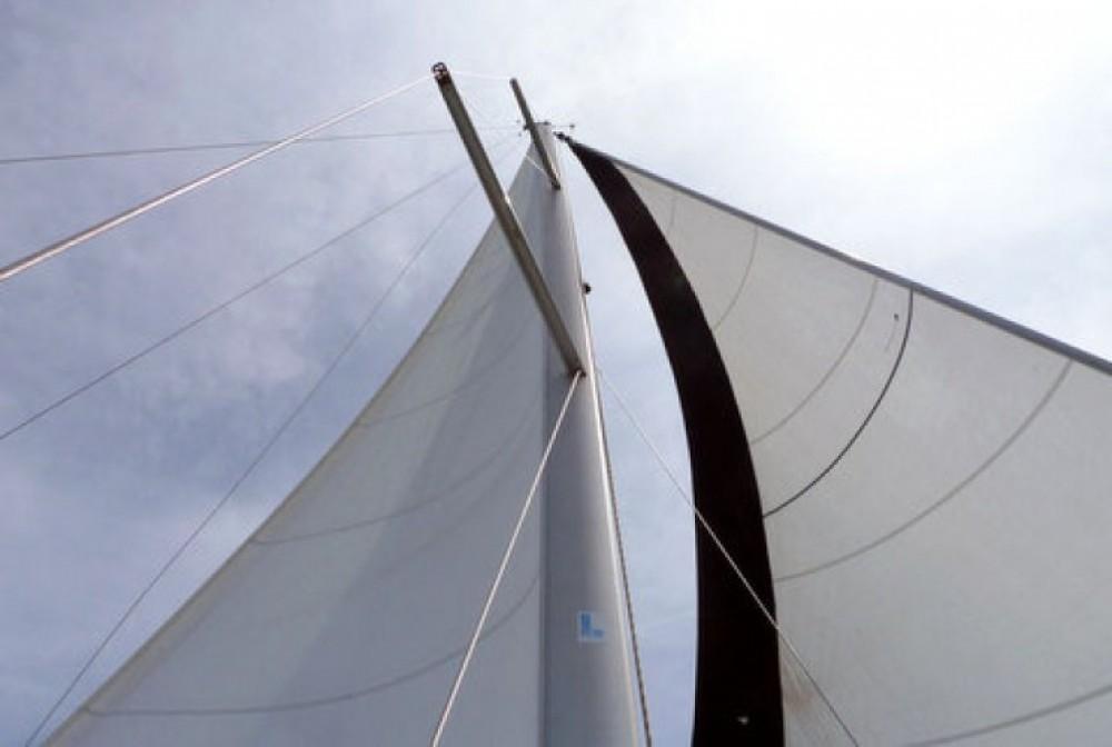 Rental Sailboat in Fontarrabie - Bénéteau Oceanis 373