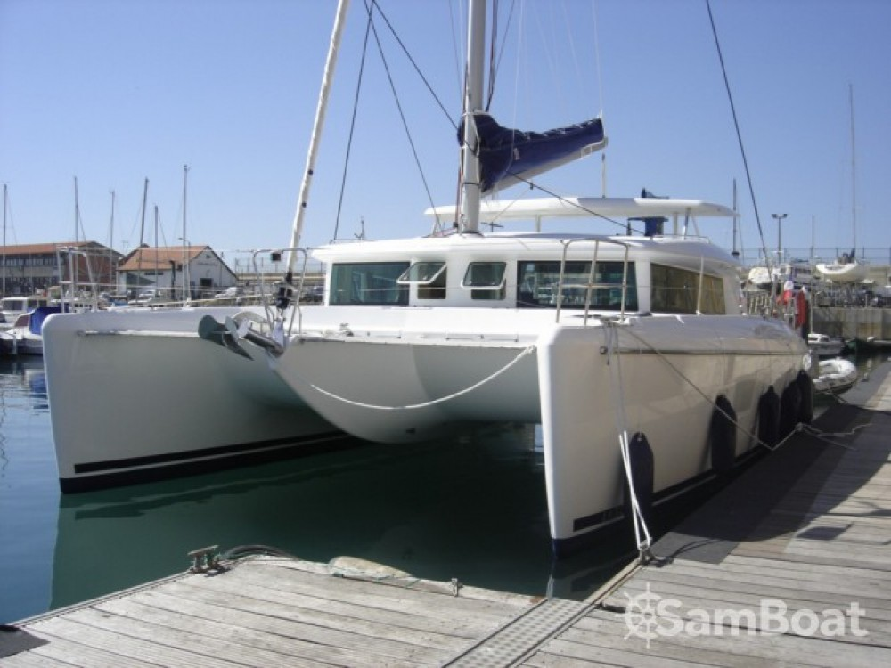 Hire Catamaran with or without skipper Lagoon Antibes