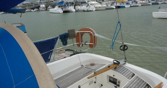 Sailboat for rent Royan at the best price