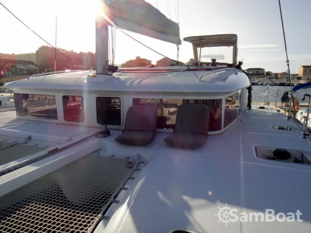 Boat rental Lagoon Lagoon 400 S2 in Propriano on Samboat