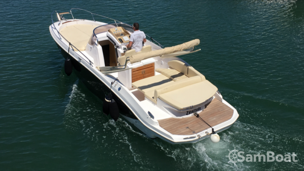 Hire Motor boat with or without skipper Sessa Marine Fréjus