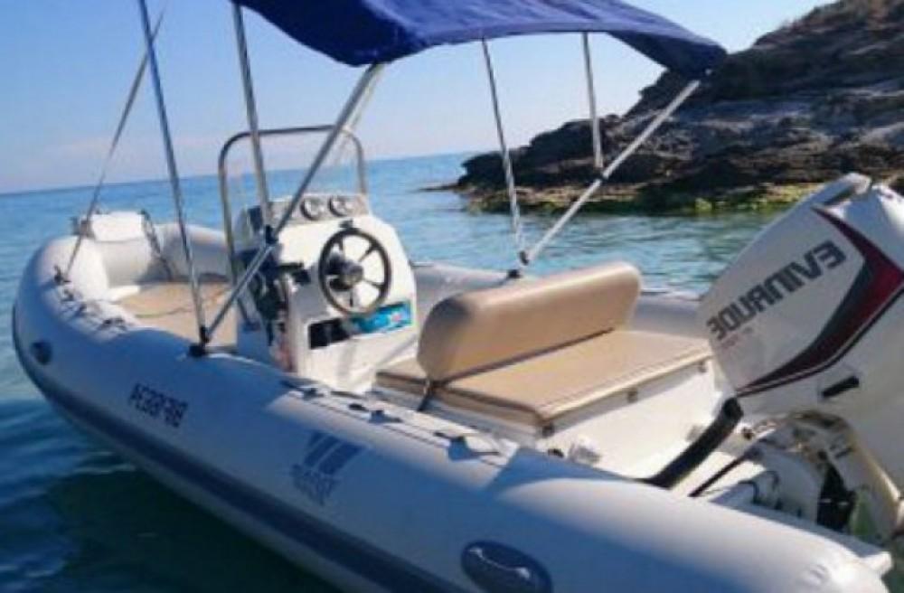 Boat rental Tiger Sportline 520 in Saint-Florent on Samboat