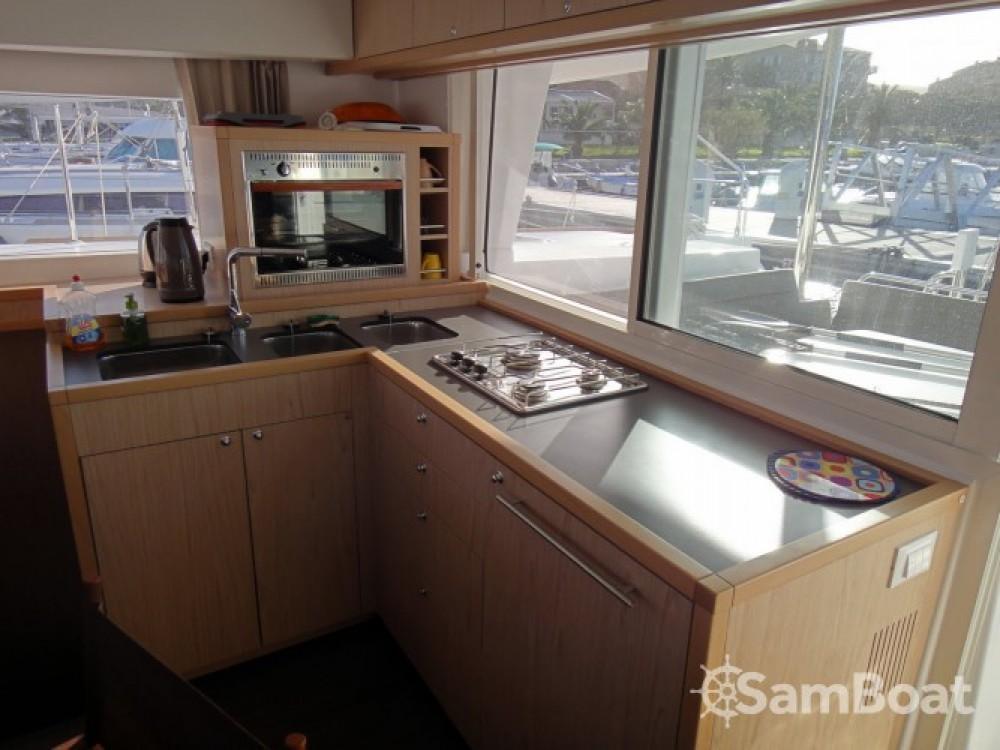 Rental yacht Propriano - Lagoon Lagoon 400 S2 on SamBoat