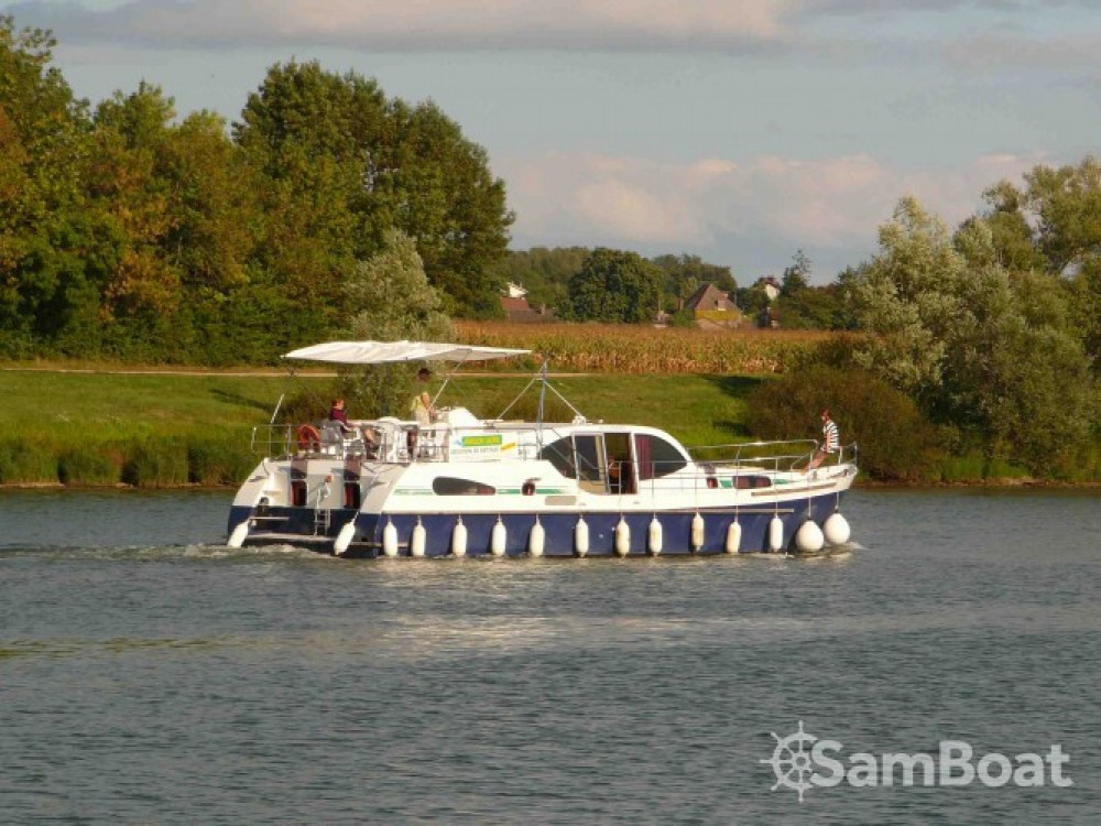 Hire Canal boat with or without skipper America Port-d'Envaux