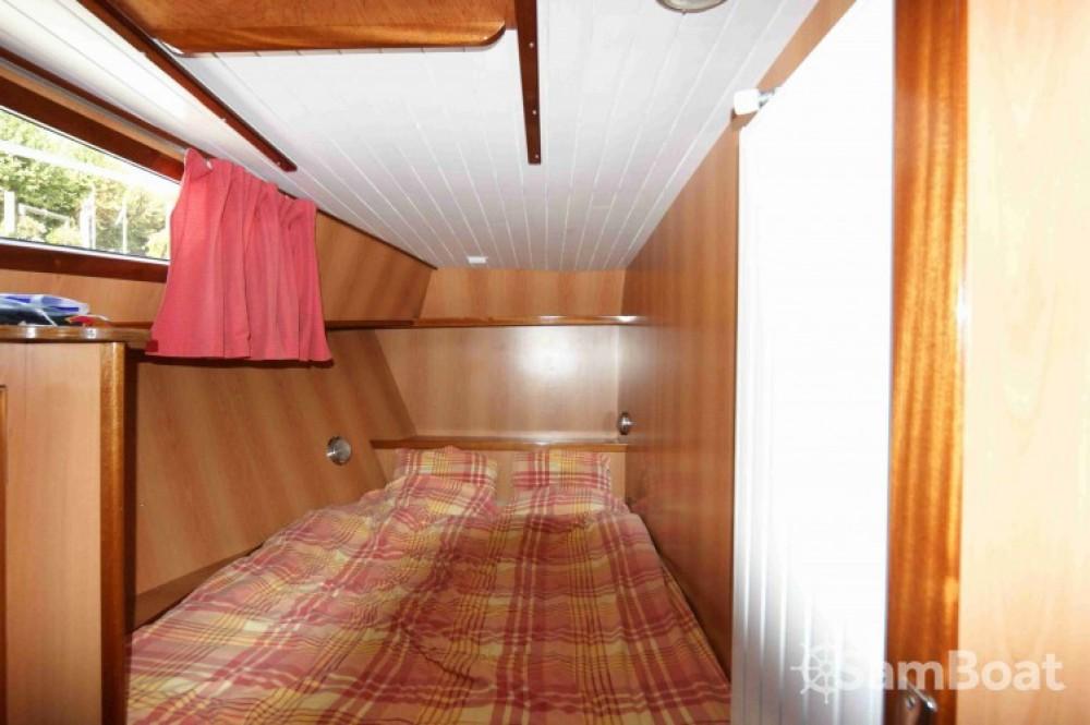 Rental yacht Port-d'Envaux - America America 50 on SamBoat