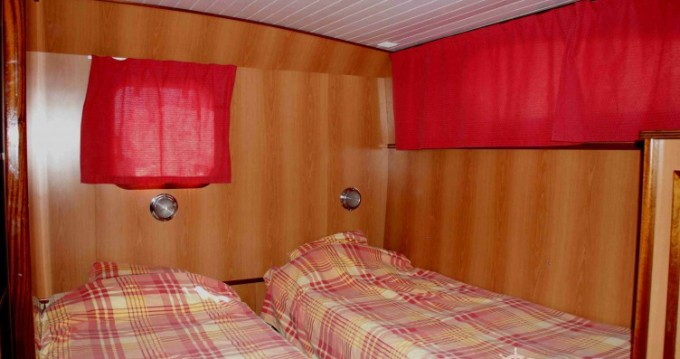 Canal boat for rent Port-d'Envaux at the best price