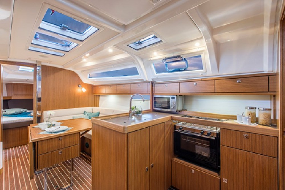 Boat rental Lisbon cheap Cruiser 37