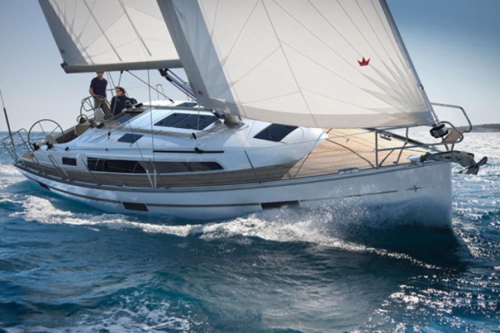 Rental Sailboat in Lisbon - Bavaria Cruiser 37