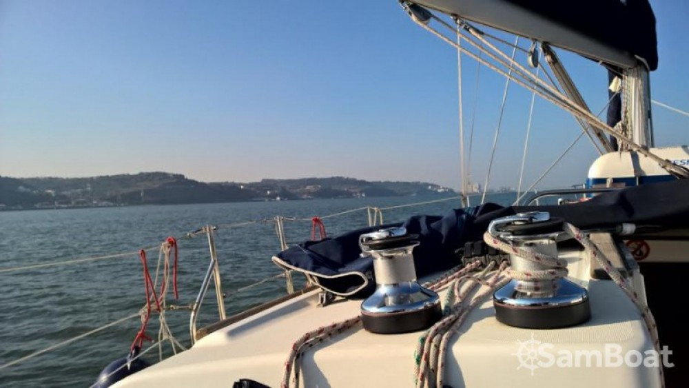 Jeanneau Sun Odyssey 40 between personal and professional Lisbon