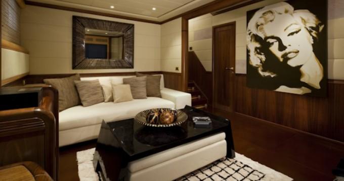 Boat rental Mangusta Mangusta in Cannes on Samboat