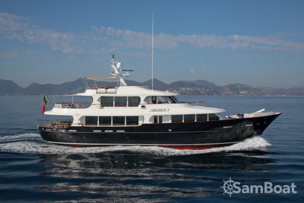 Rent a Lynx-Yachts Lynx Vallauris