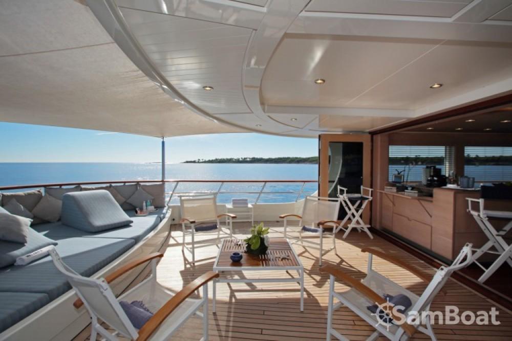 Rental Yacht Lynx-Yachts with a permit