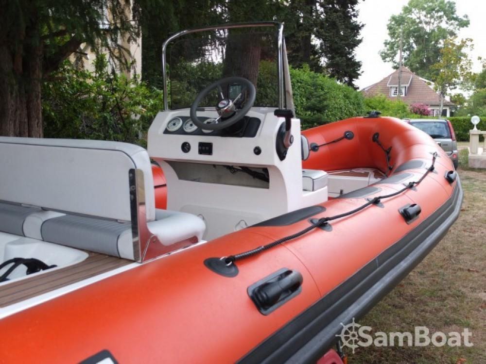 Boat rental Valiant DR 620 in Arcachon on Samboat