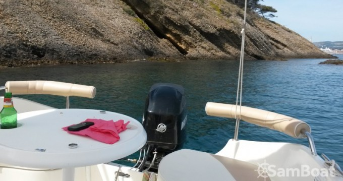 Motorboat for rent La Ciotat at the best price