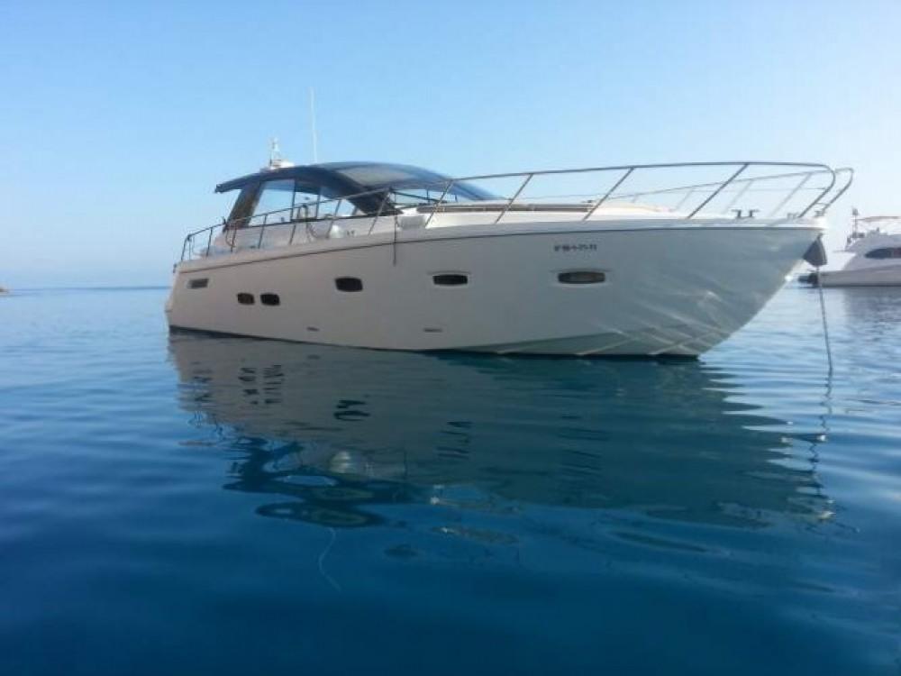 Rental yacht  - Sealine Sealine SC 47 on SamBoat