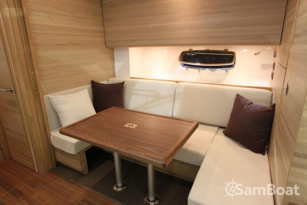 Boat rental  cheap Sealine SC 47