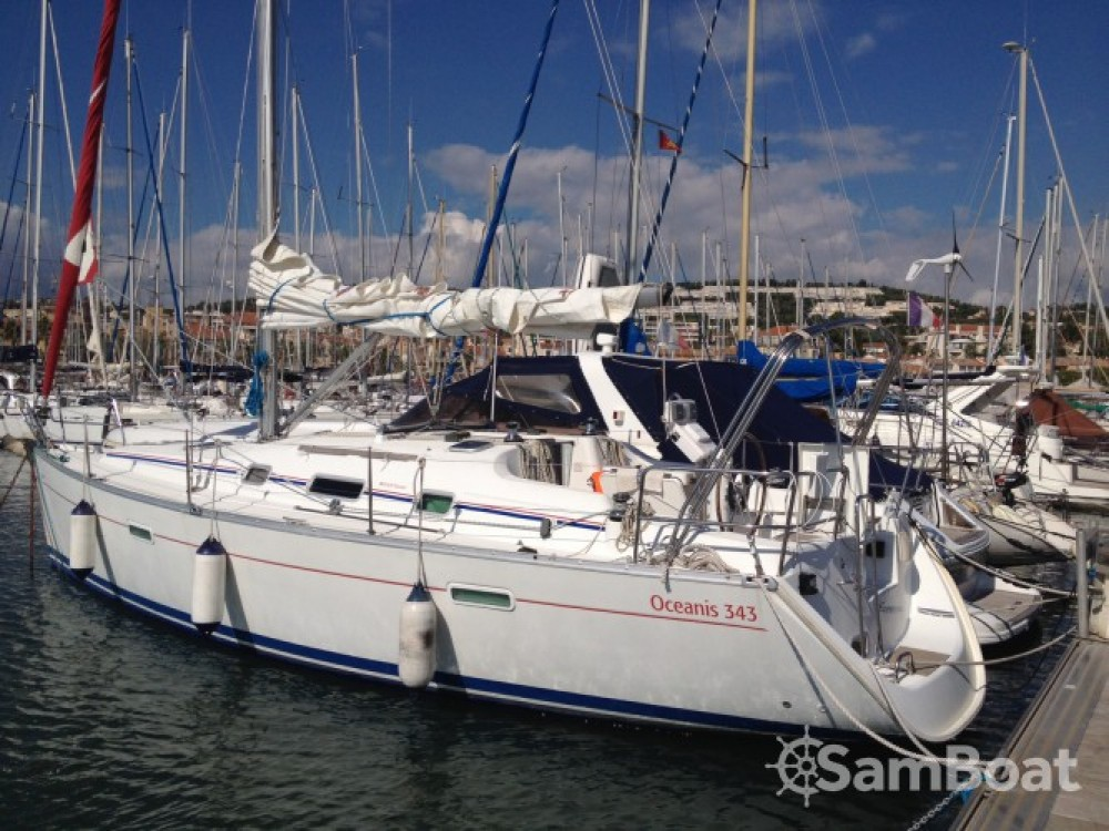 Bénéteau Oceanis 343 Clipper between personal and professional Bandol