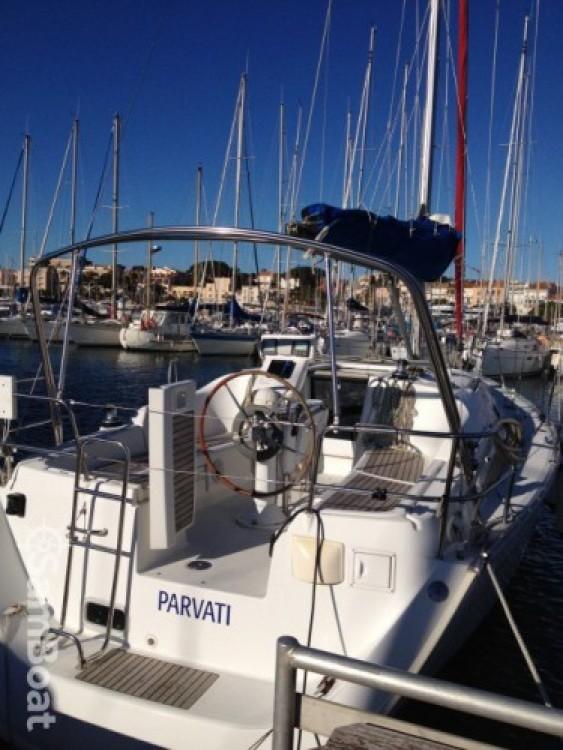 Rental Sailboat in Bandol - Bénéteau Oceanis 343 Clipper