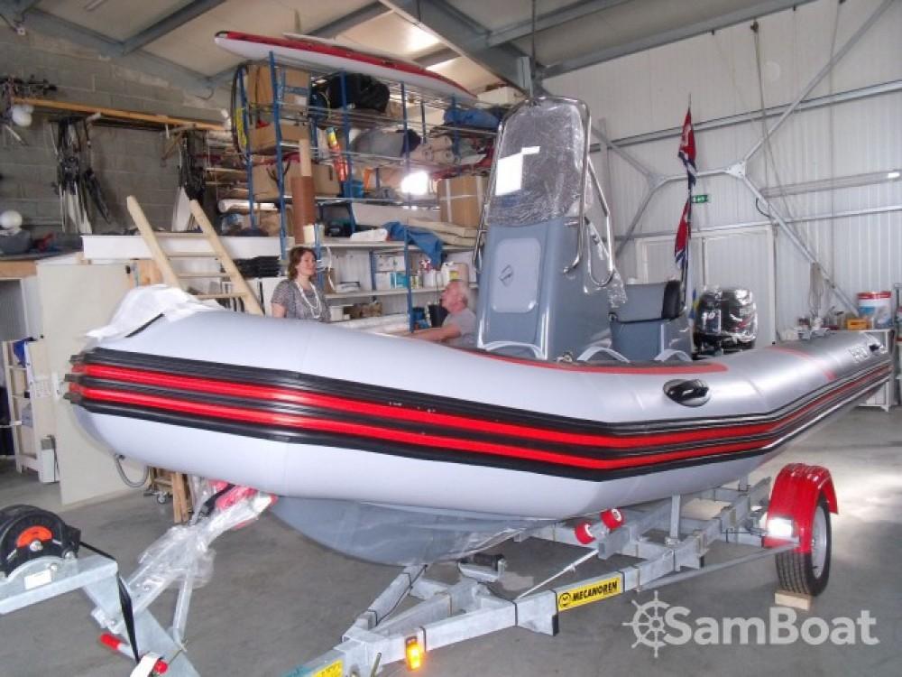 Rental yacht L'Île-d'Yeu - Zodiac PRO RACING 5. on SamBoat