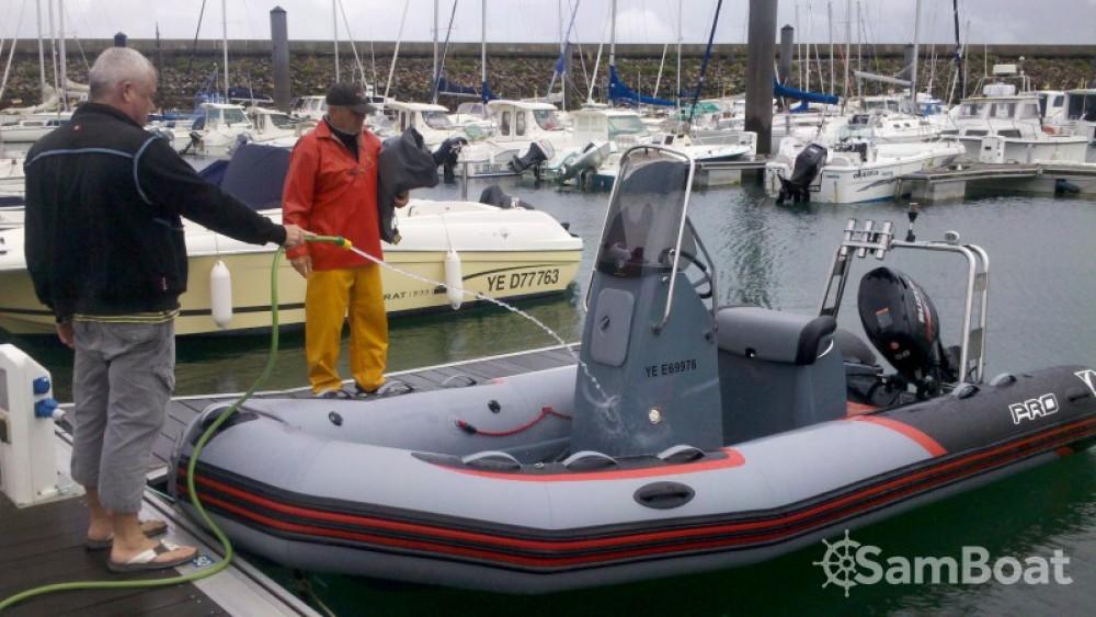 Boat rental L'Île-d'Yeu cheap PRO RACING 5.