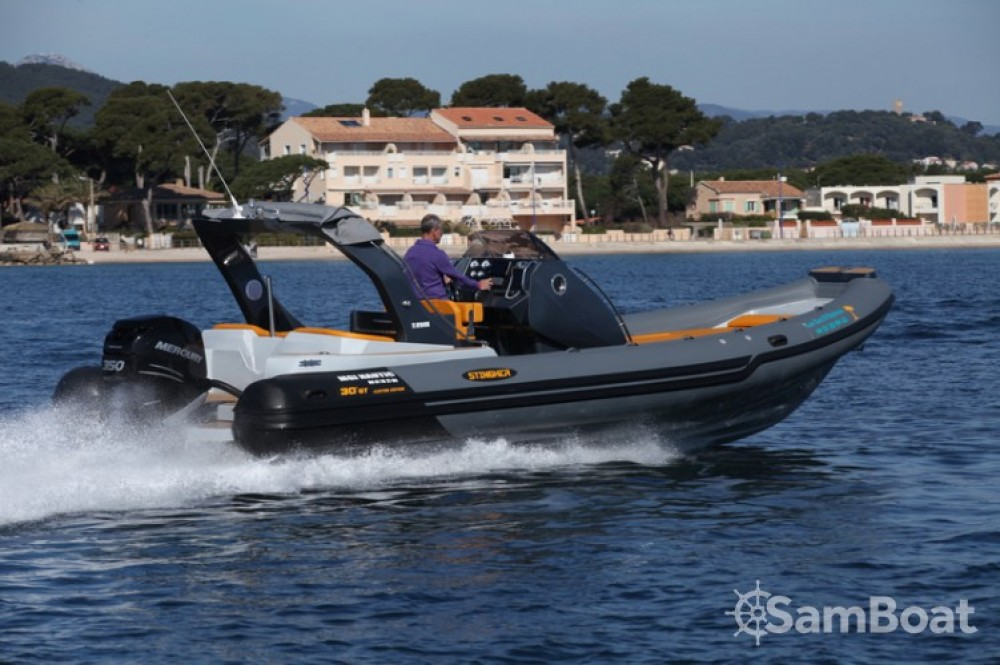 Italboats STINGHER 30 GT between personal and professional Hyères