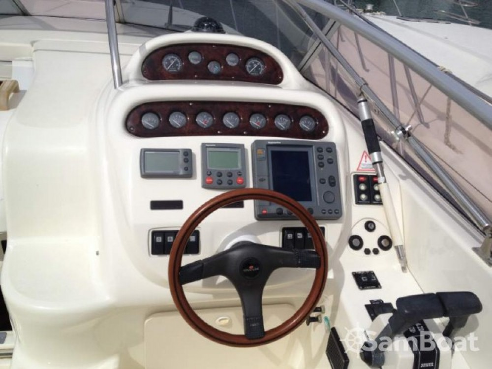Hire Motor boat with or without skipper Cranchi Beaulieu-sur-Mer