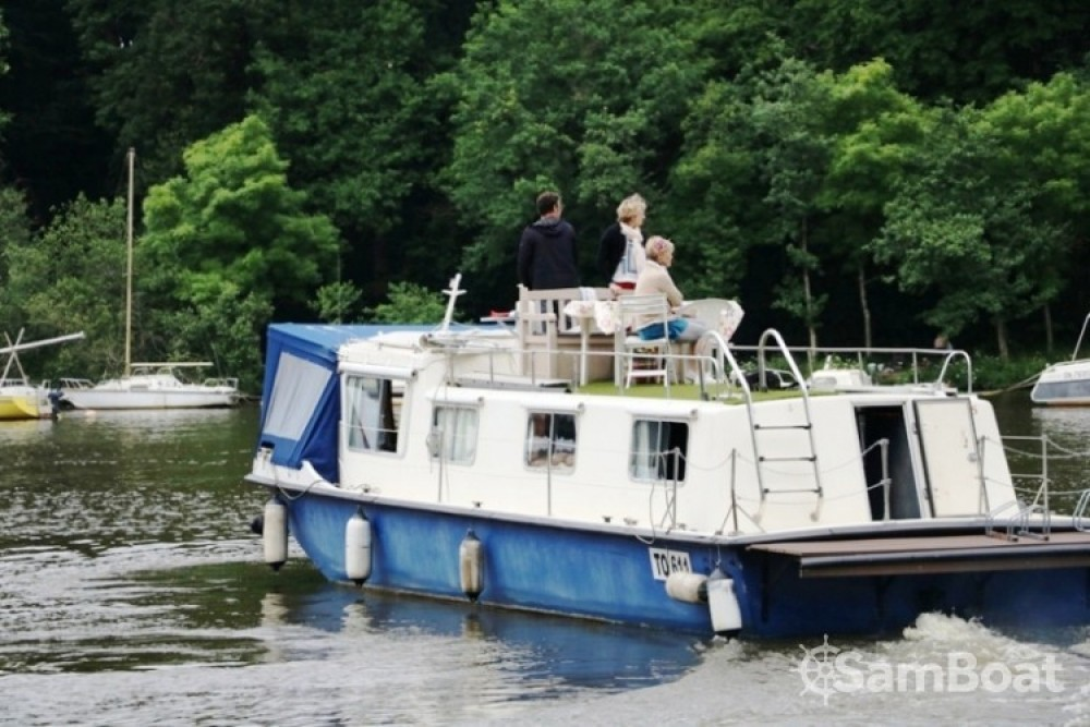 Hire Canal boat with or without skipper Socorel Nantes