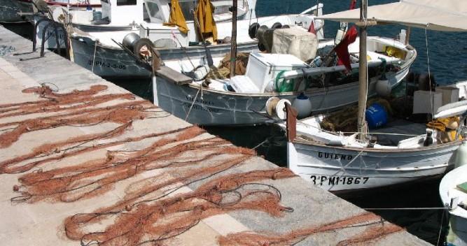 Boat rental Bénéteau First 31.7 in Argelès-sur-Mer on Samboat