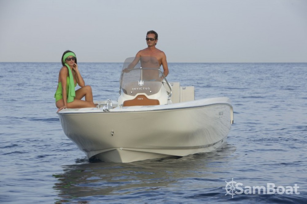 Rental yacht Saint-Laurent-du-Var - Invictus  Invictus 190 FX on SamBoat