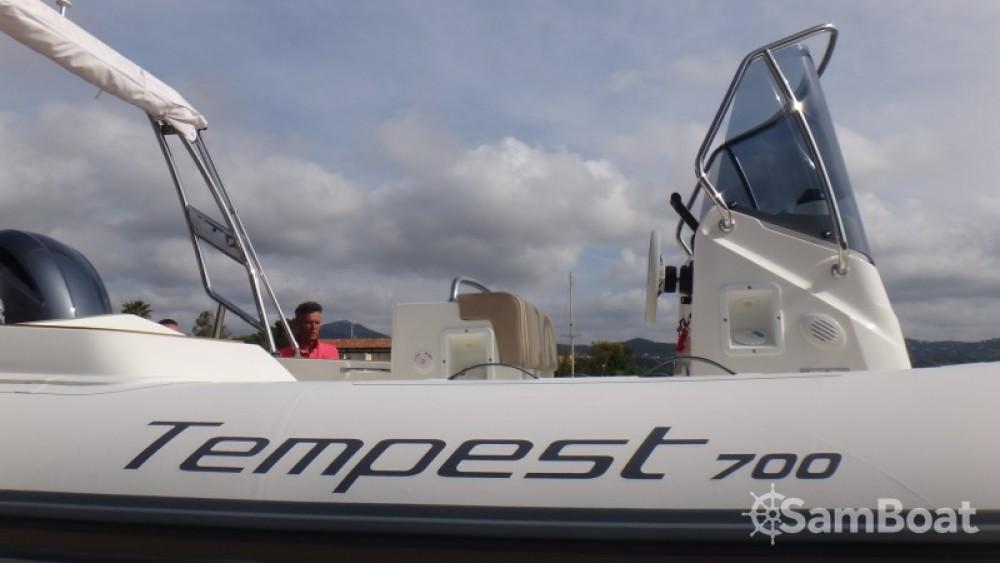 Boat rental Capelli Tempest 700 in Sainte-Maxime on Samboat