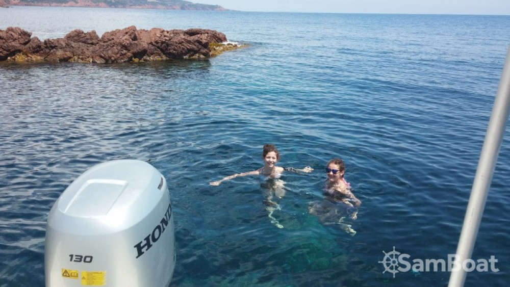Sessa Marine Key Largo 20 between personal and professional Saint-Raphaël
