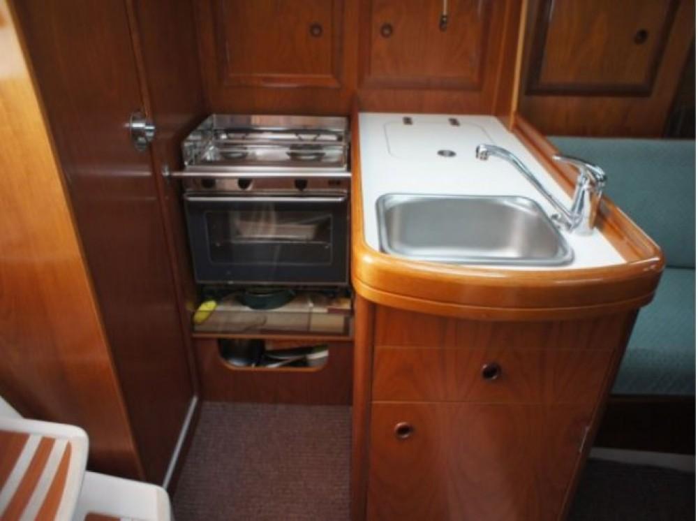 Rent a Bénéteau Oceanis 311 DL Arzon