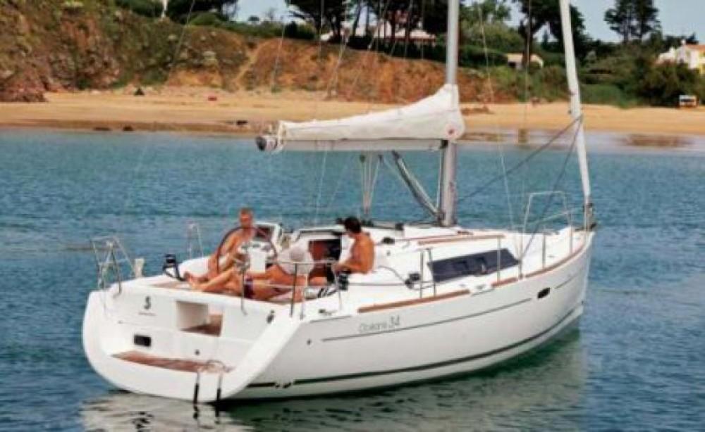 Rental Sailboat Bénéteau with a permit