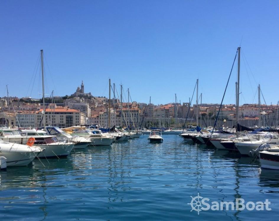 Rental yacht Marseille - Jeanneau Cap Camarat 545 WA on SamBoat