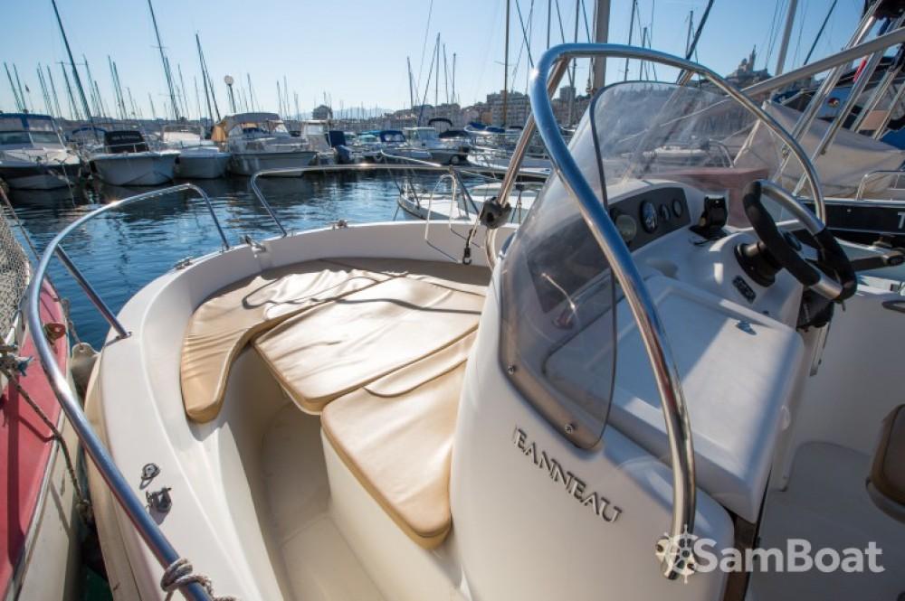 Rent a Jeanneau Cap Camarat 545 WA Marseille