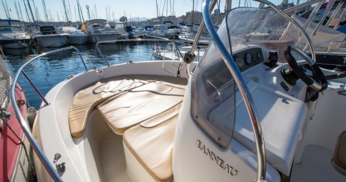 Rental Motorboat in Old Port of Marseille - Jeanneau Cap Camarat 545 WA