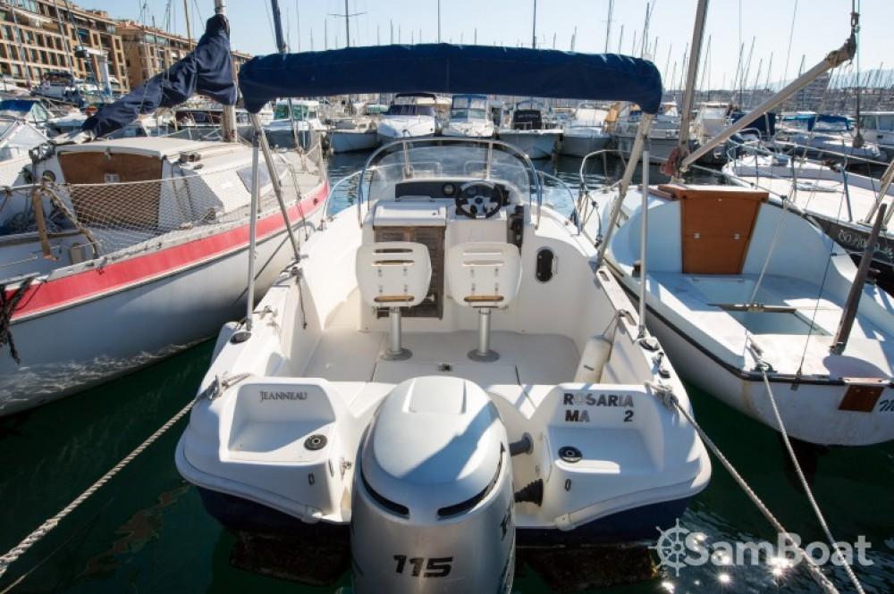 Boat rental Marseille cheap Cap Camarat 545 WA