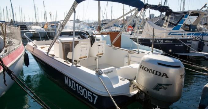 Boat rental Jeanneau Cap Camarat 545 WA in Old Port of Marseille on Samboat