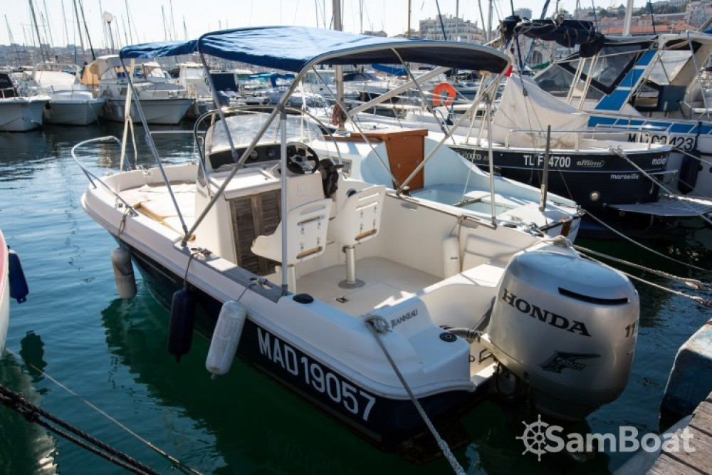 Rental Motor boat in Marseille - Jeanneau Cap Camarat 545 WA