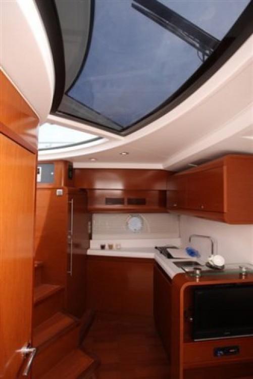 Rental Motorboat in Bord de Mer - Bénéteau Monte Carlo 42