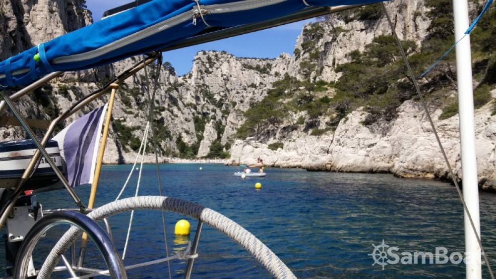 Hire Sailboat with or without skipper Jeanneau Marseille