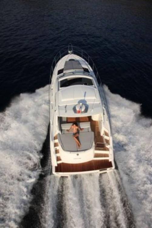 Rent a Bénéteau Monte Carlo 42 Bord de Mer
