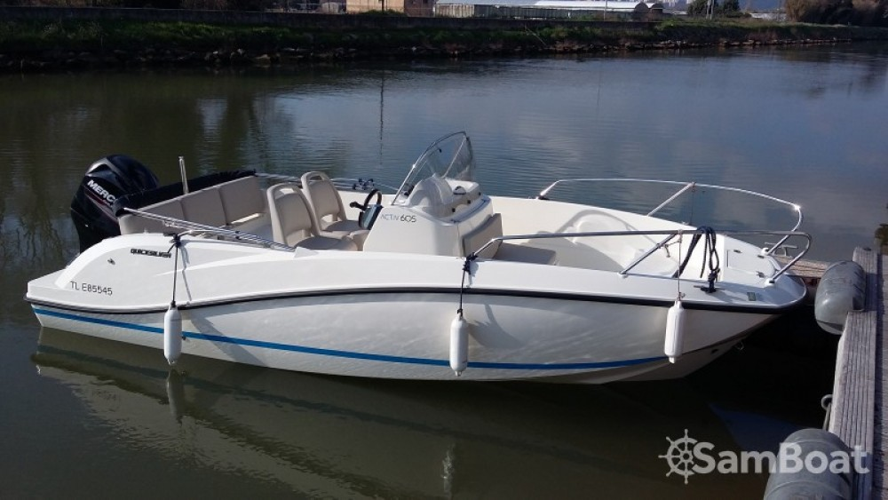 Boat rental Quicksilver Activ 605 Open in Hyères on Samboat