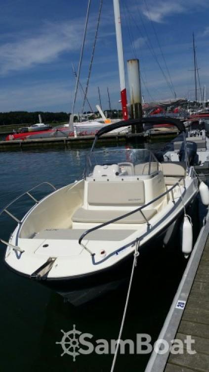 Rental Motor boat in Lorient - Quicksilver Activ 675 Open