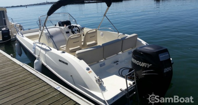 Quicksilver Activ 675 Open between personal and professional Lorient