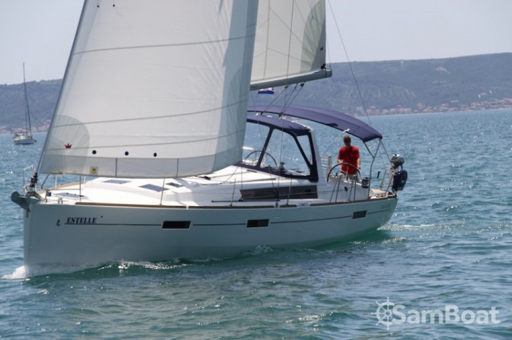 Hire Sailboat with or without skipper Bénéteau Kaštel Gomilica