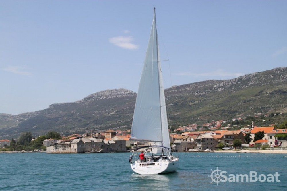 Bénéteau Oceanis 45 between personal and professional Kaštel Gomilica