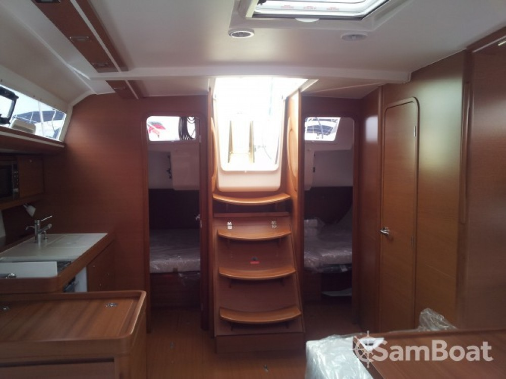 Dufour Dufour 410 Grand Large between personal and professional Sicily